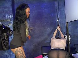 GERMAN BDSM TEEN MEET HER FIRST REAL USER SLAVE